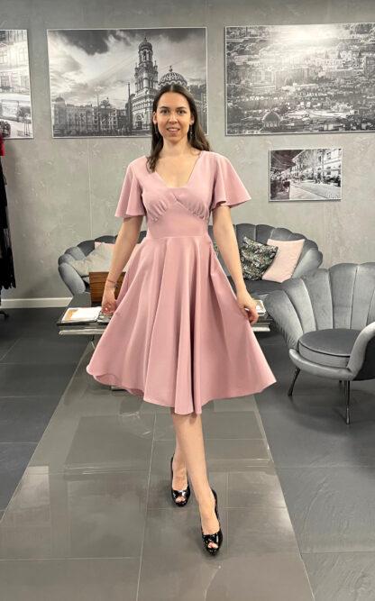 sukienka-pudrowa